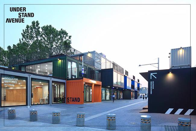 컨테이너로 이루어진 공익 문화 공간 : 언더 스탠드 에비뉴 (UNDER STAND AVENUE)