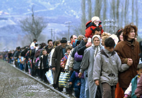 [사회/문화] 난민들의 잃어버린 사회를 되찾아 주다, 레...
