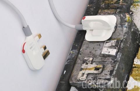 UK folding plug system