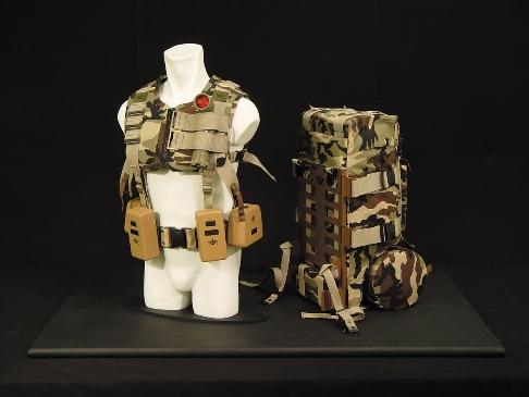 인체 공화적으로 무게중심을 개선한 군용배낭 구조개선 제안